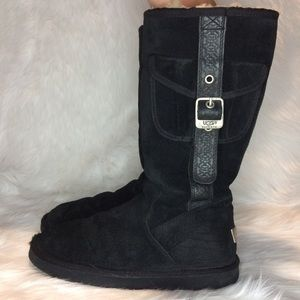 UGG CARGO UPER LEATHER SHEEP SKIN LINING BOOTS